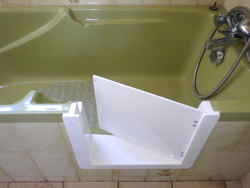 Baignoire porte avec portillon anti claboussures so bain - Changer baignoire en douche prix ...