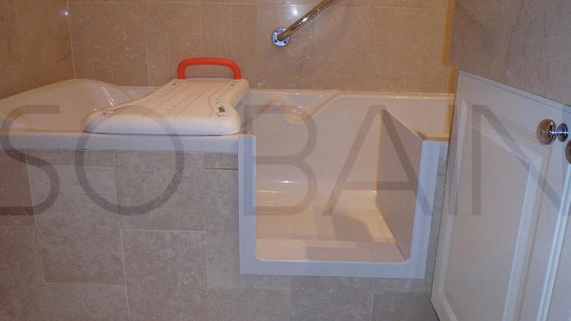 baignoir a porte erreur with baignoir a porte beautiful. Black Bedroom Furniture Sets. Home Design Ideas