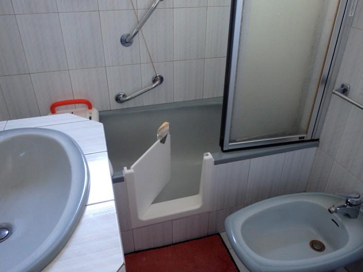 Baignoire à porte étanche