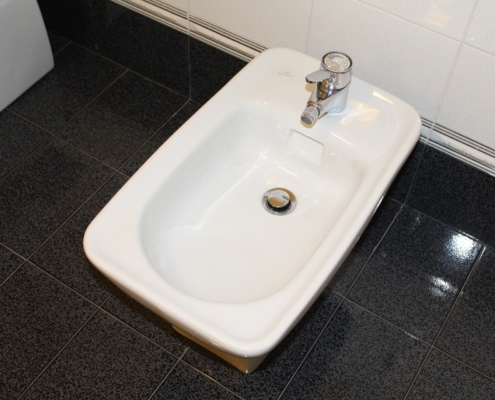 bidet dans une salle de bain